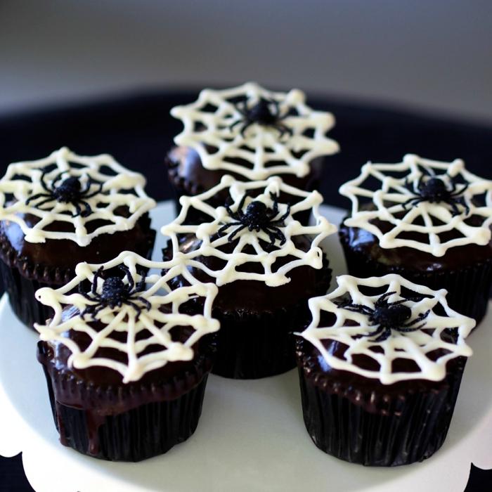 Spider Wedding Cake