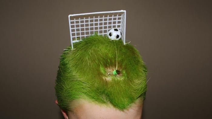 halloween frisuren junge mit grünen haaren halloween kostüme