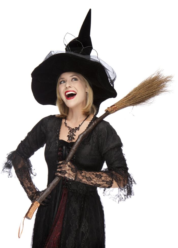 halloween ideen frauenkostüme hexe besen hut