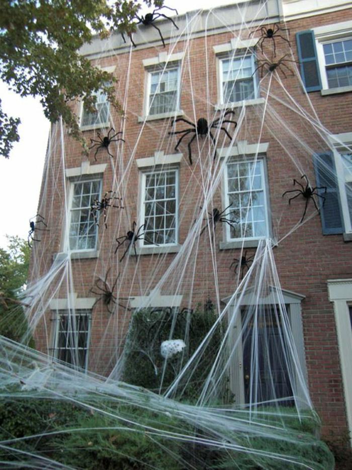 halloween ideen halloween deko spinnennetze außendeko