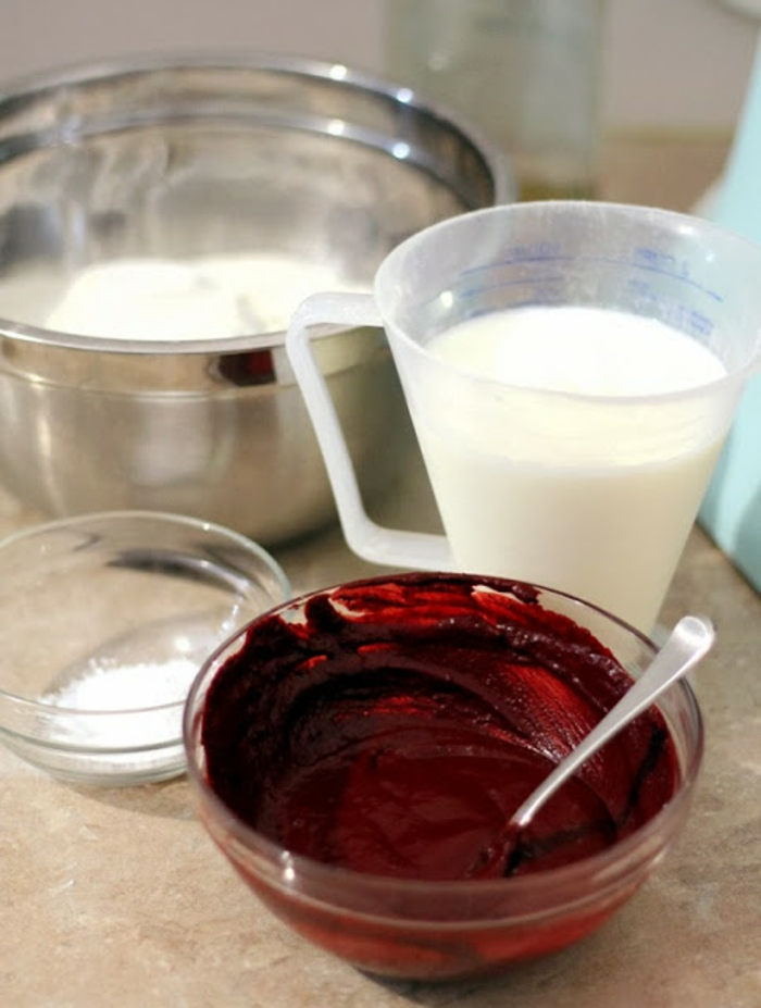 halloween kuchen blutig weiße glasur zutaten