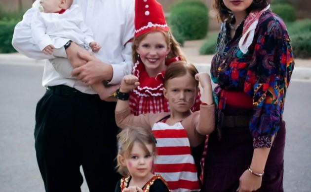 halloween-party-ideen-familie-gruppenkostüme