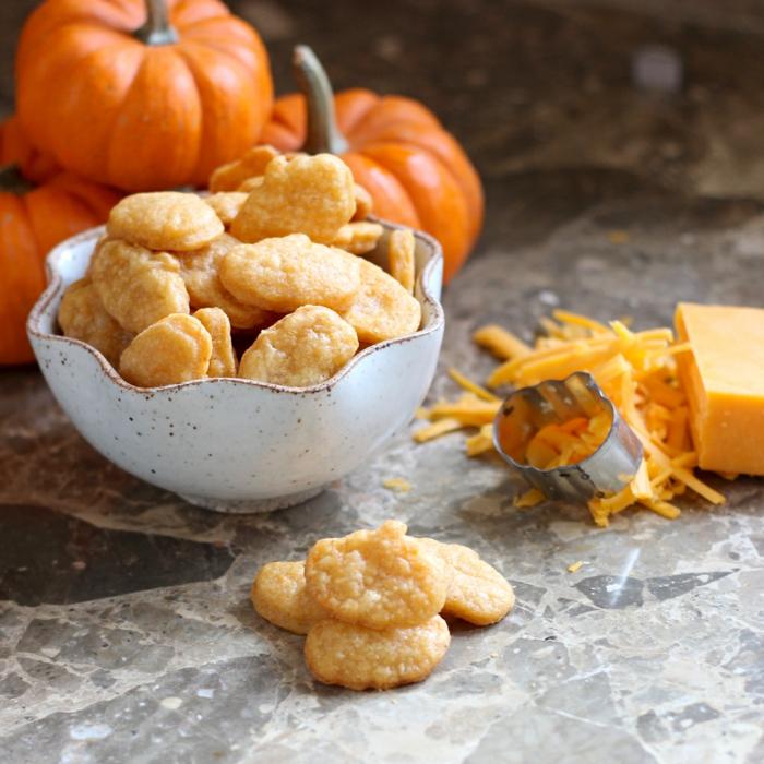 halloween rezepte käse kräcker