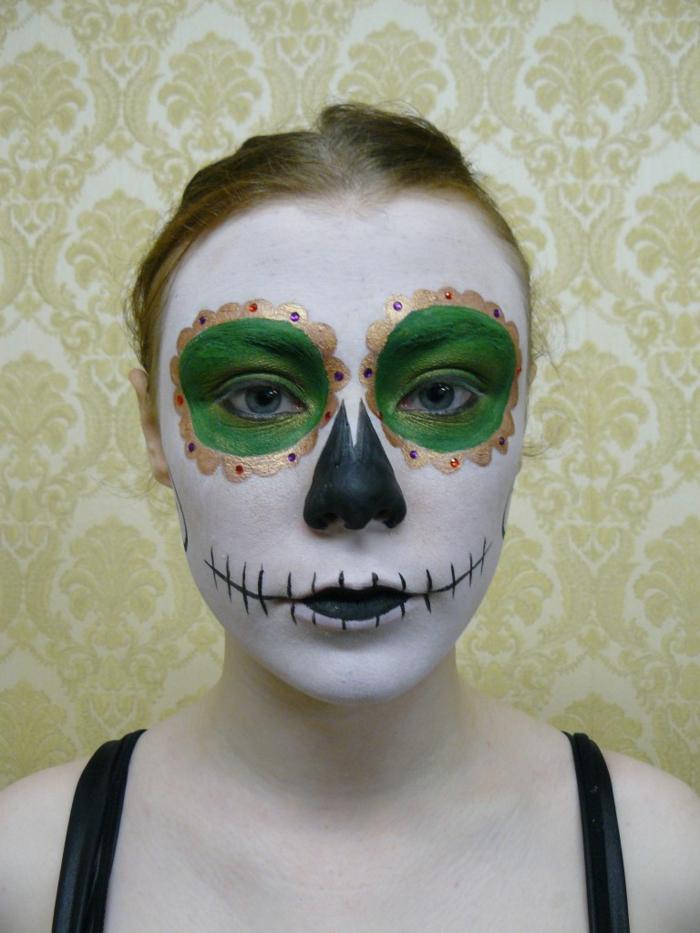 halloween schminke ideen damen schminktipps grüne augenschminke