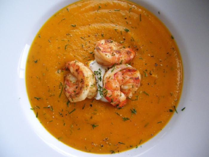 hokkaido kürbis cremesuppe gebratene schrimps