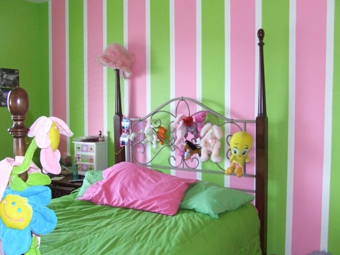 jugendzimmer für mädchen farbige streifen grüne bettwäsche