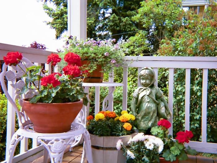 kübelpflanzen balkon getsalten dekoideen