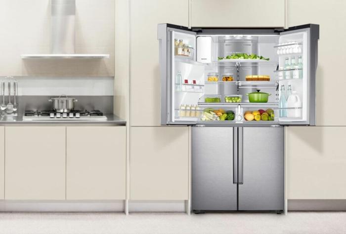küche-einrichten-moderne-küchenmöbel-kühlschränke