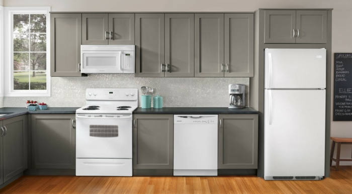 küche gestalten ideen moderne küchenmöbel weiße kühlschränke