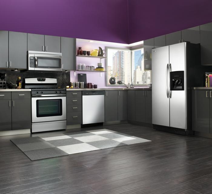 küche wandgestaltung lila wände graue küchenmöbel