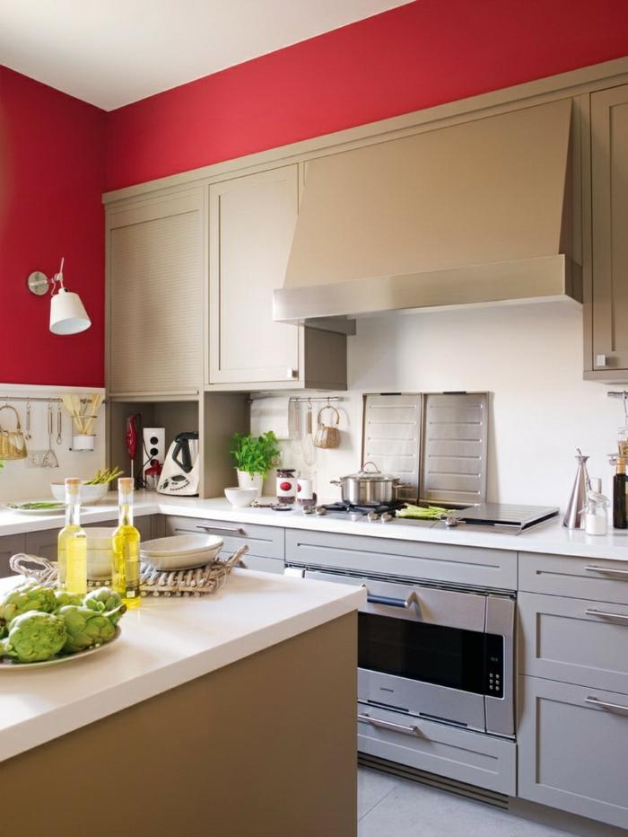 küche wandgestaltung rote wandfarbe weiße küchenschränke