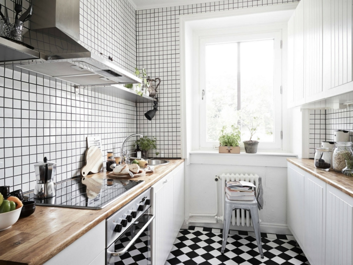 küchenfliesen kleine wandfliesen kleine küche gestalten weiße ...