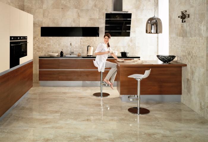 küchenfliesen richtig auswählen marmor naturfarben