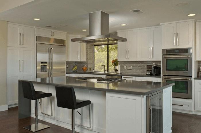 kücheninsel-mit-arbeitsfläche-küche-mit-kochinsel-gestalten