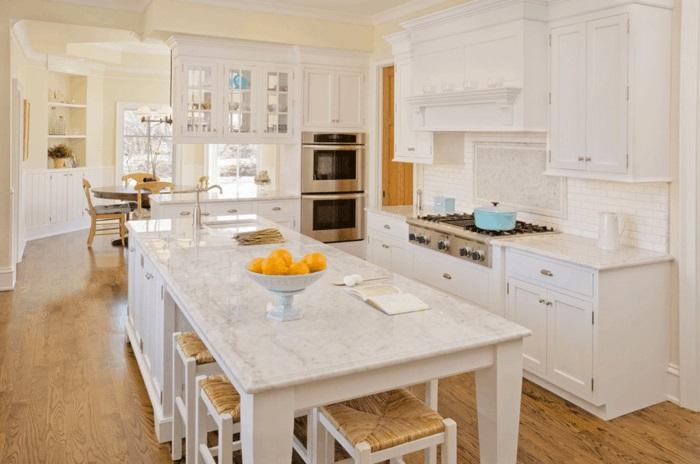 kücheninsel mit arbeitsfläche und sitzmöglichkeit esstisch