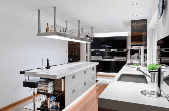 kücheninsel mit arbeitsfläche und sitzmöglichkeit kochinsel mit beleuchtung
