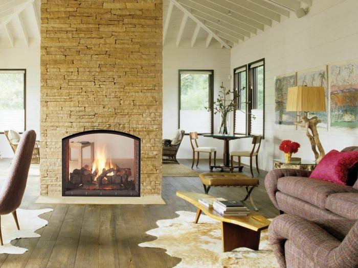 Kamin Design Zweiseitig Wohnzimmer Fellteppiche Steinwand