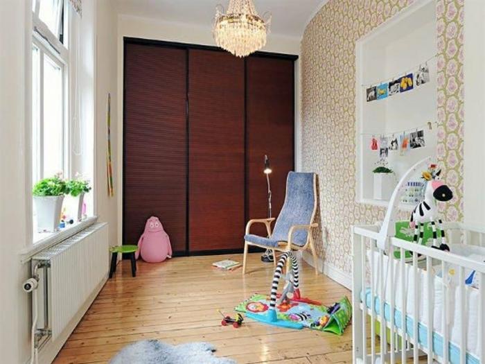 kleiderschrank kinderzimmer babyzimmer gestalten holzboden spielzeuge