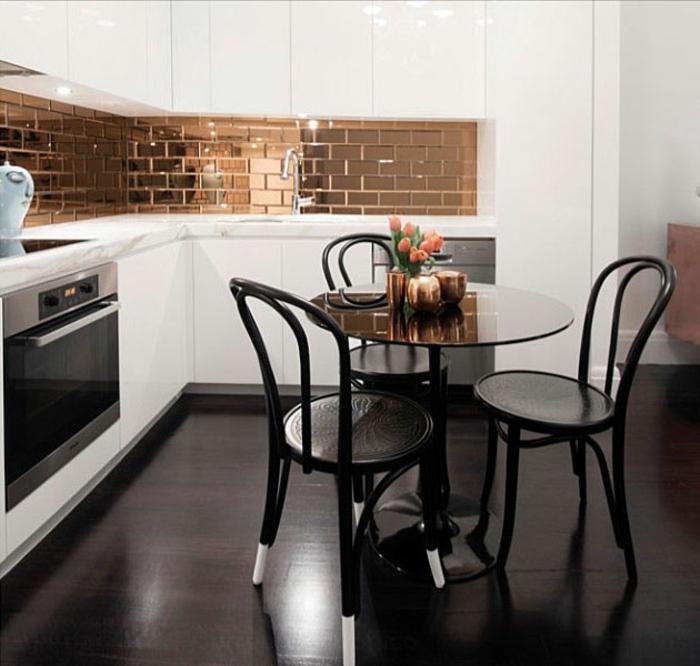 kleine küchen schwarzer boden runder esstisch