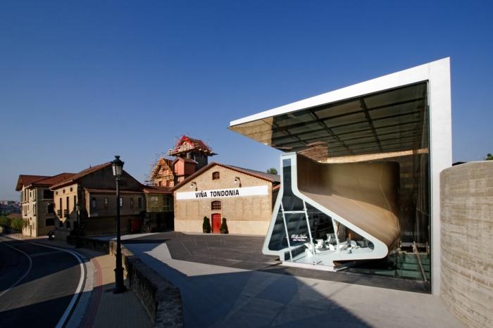 moderne architektur Bodega R. López de Heredia weinkeller