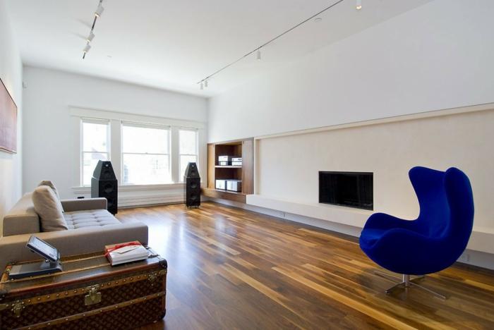 moderne sessel blauer sessel wohhnzimmer möbel weiße wandfarbe