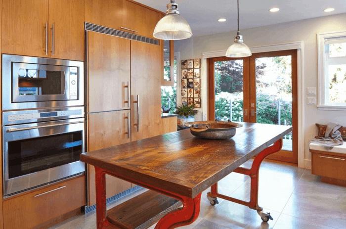 moderne küche mit kochinsel auf rollen mobile küchenmöbel