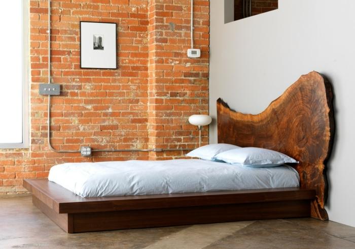 modernes schlafzimmer bettdesign rustikales bettkopfteil ziegelwand