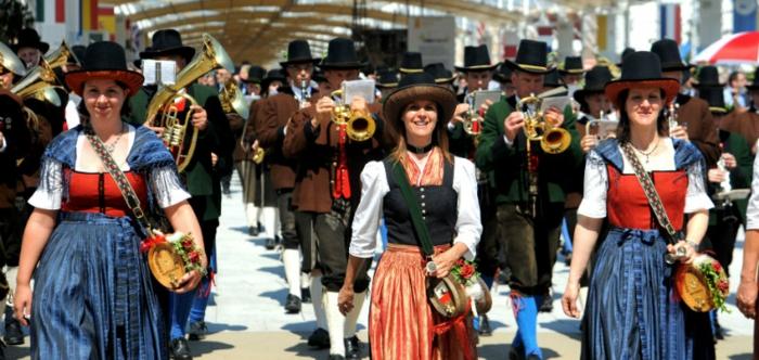 nationalfeiertag in österreich festliche parade