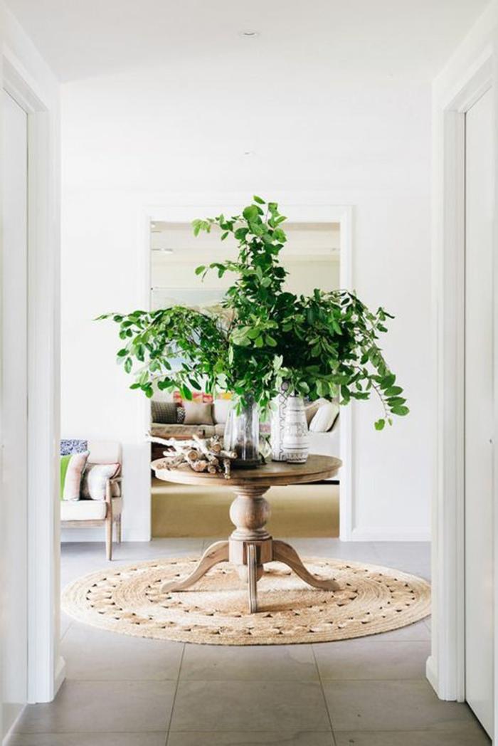 runde teppiche beistelltisch pflanzen bodenfliesen