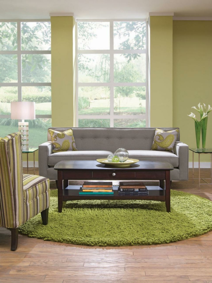 runder teppich grün wohnzimmer einrichten pflanzen