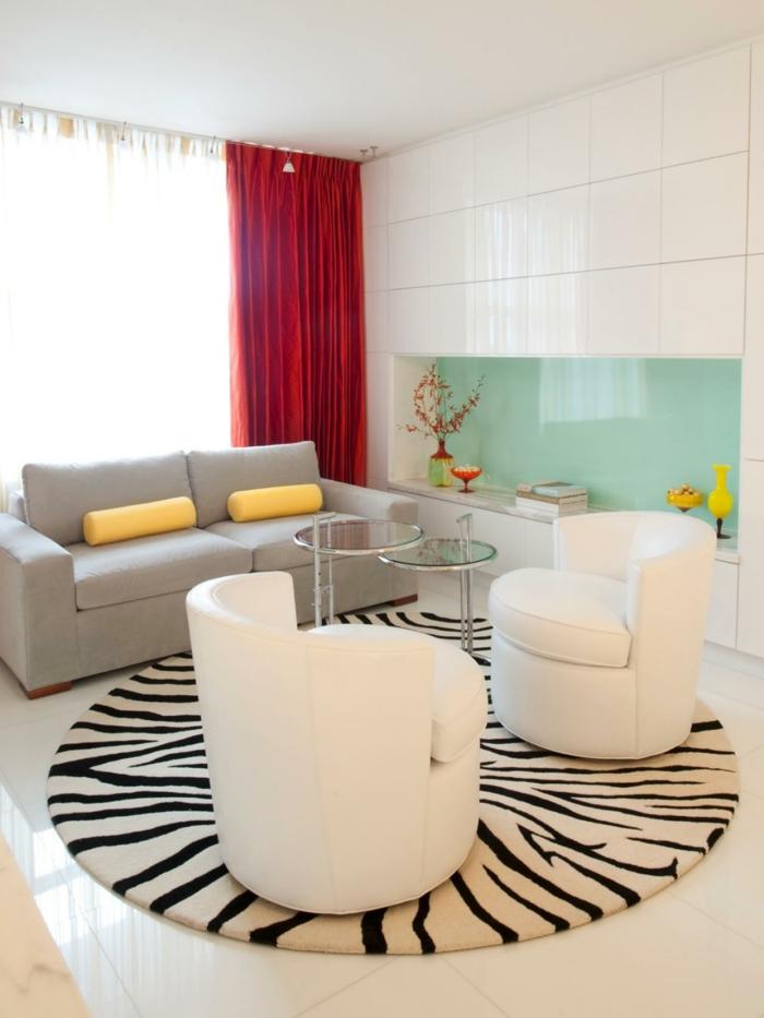 schöne sessel wohnzimmer ausgefallene form weiß runder teppich