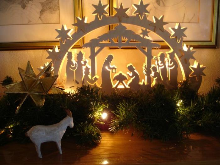 schwibbögen und lichterbögen mit kerzen weihnachten