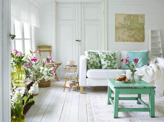 shabby chic stil wohnzimmer grüner couchtisch pflanzen