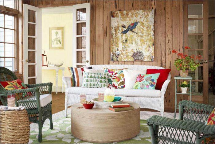 shabby chic einrichtungsideen rattansessel runder couchtisch weißes sofa