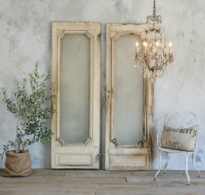 Wohnzimmereinrichtung Vintage Shabby Chic Wohnzimmer Ideen Kristallkronleuchter Alte Tren Holz