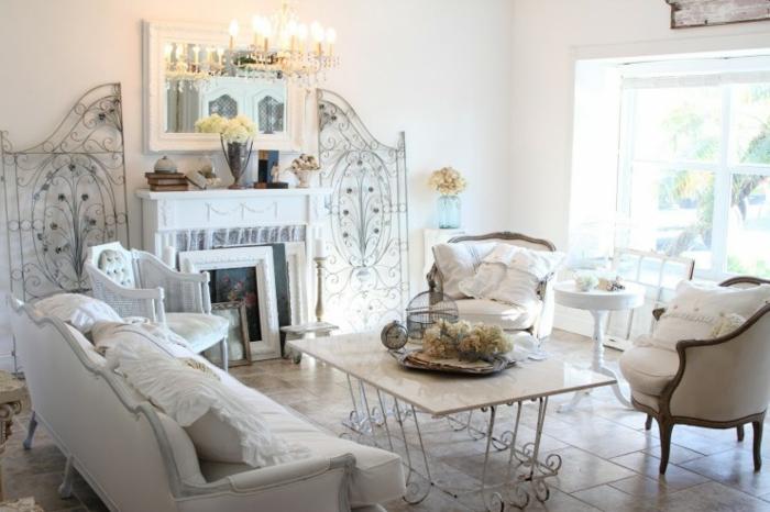 shabby chic wohnzimmer ideen metallene möbel couchtisch wanddekoration