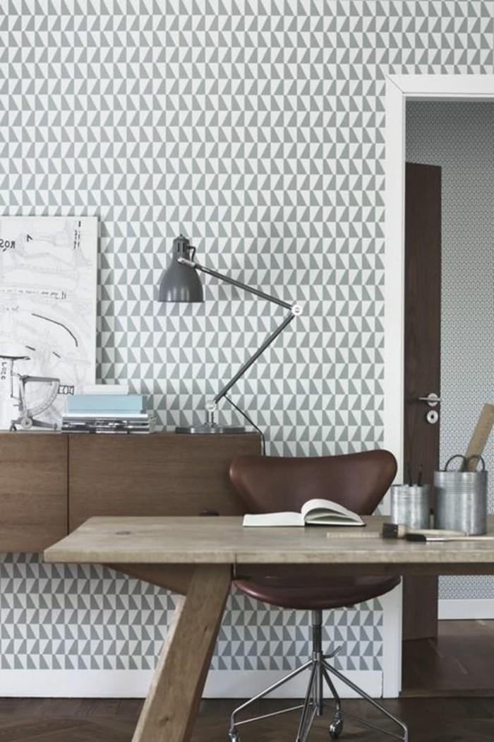 tapeten-ideen-dezentes-geometrisches-muster-in-grau-weiß