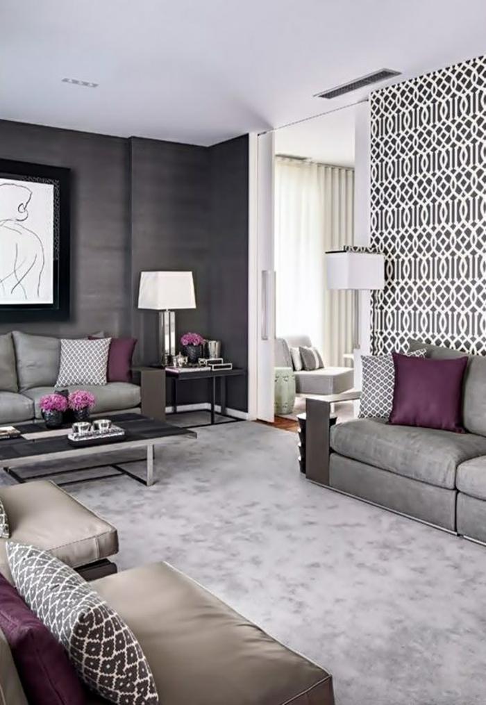 tapeten ideen wohnzimmer akzentwand elegante wohnzimmermöbel lila akzente