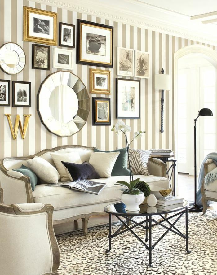 tapeten ideen wohnzimmer streifenmuster vintage couchtisch schöne wanddeko