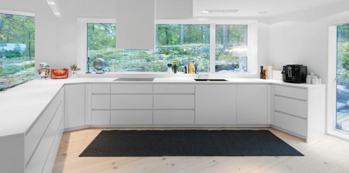 teppich design teppichläufer dunkelgrau weiße küchenschränke
