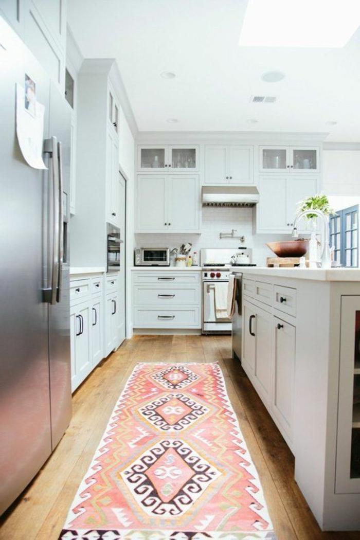 teppich design teppichläufer küche frisches muster holzboden einbauleuchten