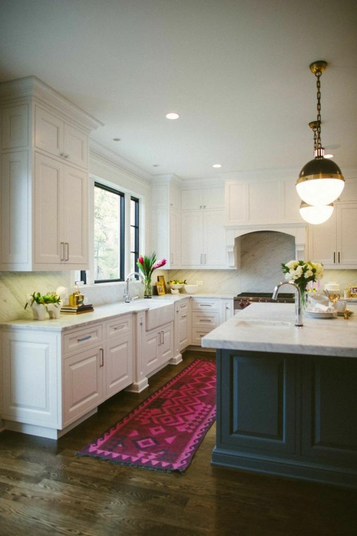 teppich design teppichläufer küche weiße küchenschränke blumen