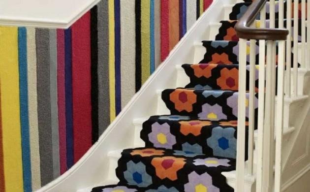 teppich-für-treppen-ausefallenes-muster-schöne-wandgestaltung