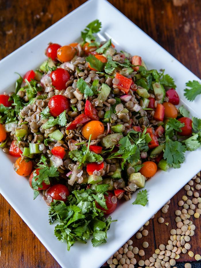 veganes essen frischer linsen salat