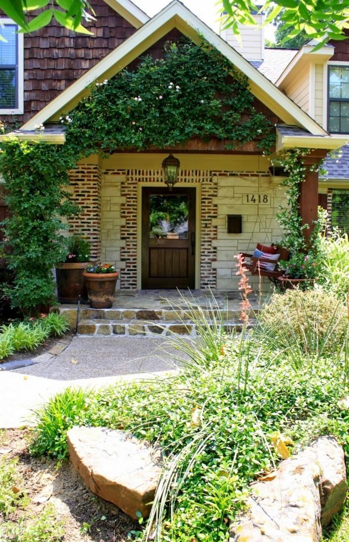 vorgarten gestaltung dekorieren mit topfpflanzen und steinen