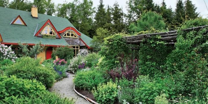 vorgartengestaltung wunderschöner vorgarten mit reichlicher bepflanzung