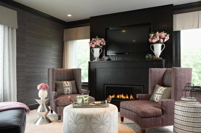 wände gestalten gemütliches wohnzimmer schwarze akzente kamin