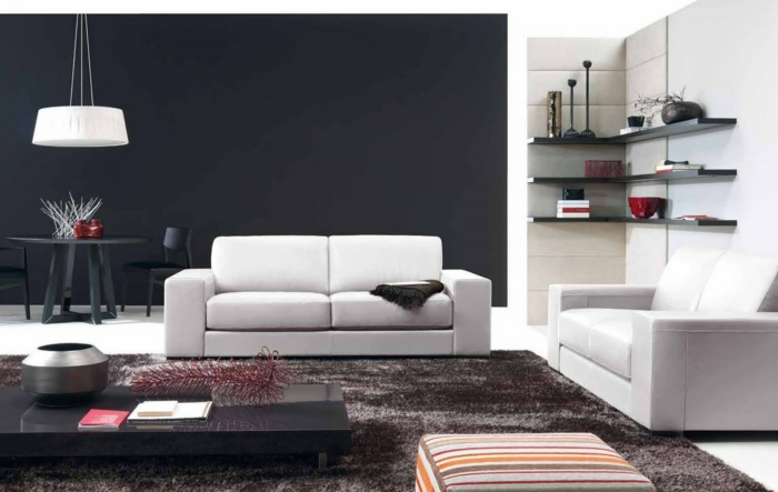 wände gestalten wohnzimmer wandgestaltung weiße sofas schwarze akzentwand