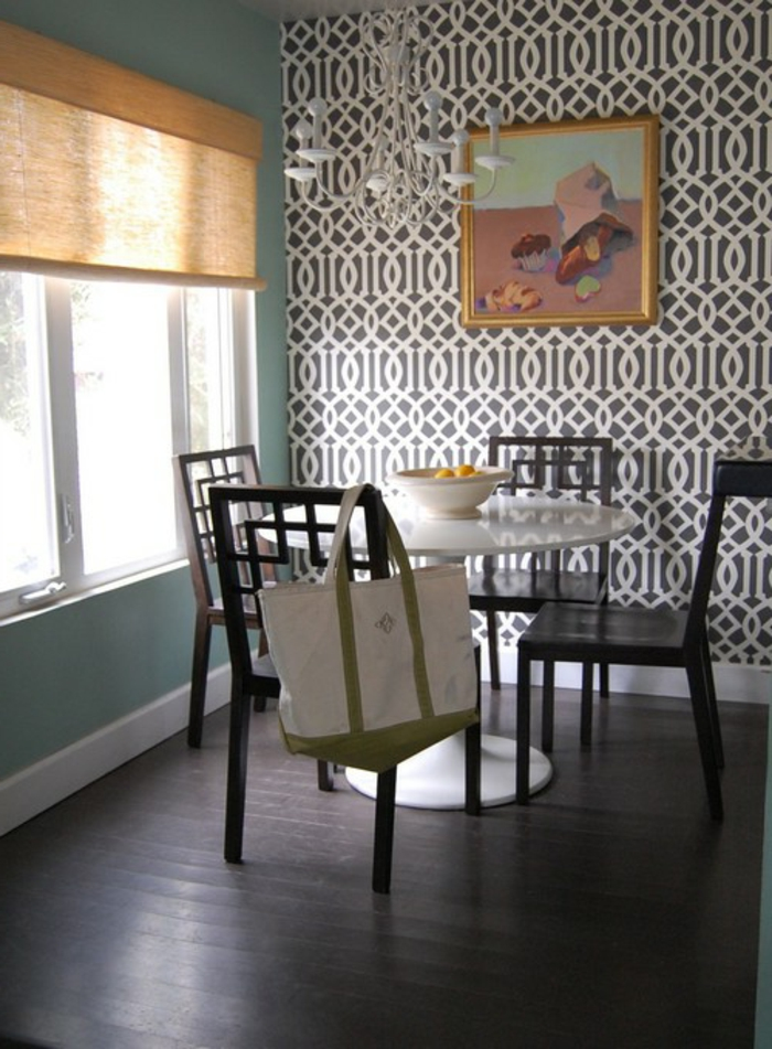Wandgestaltung Esszimmer Tapete Muster Raffrollo