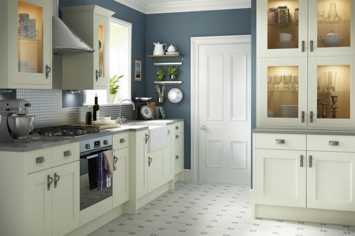 wandgestaltung küche graue wandfarbe bodenfliesen helle küchenschränke